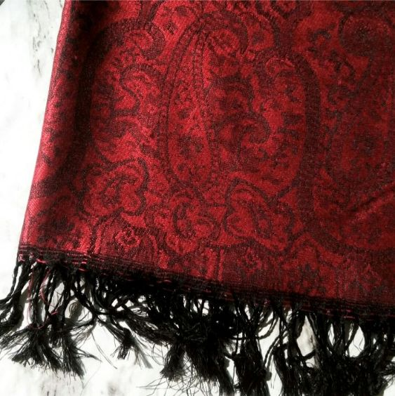 Jamawar Winter Hijab Red