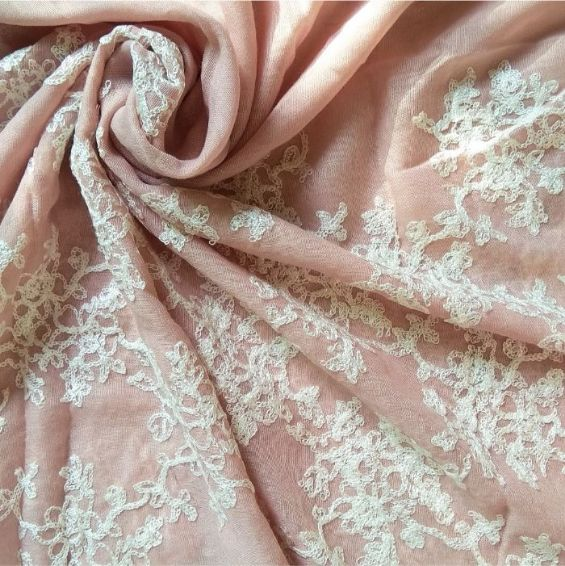 Classic Embroidered Lawn Scarf Tea Pink